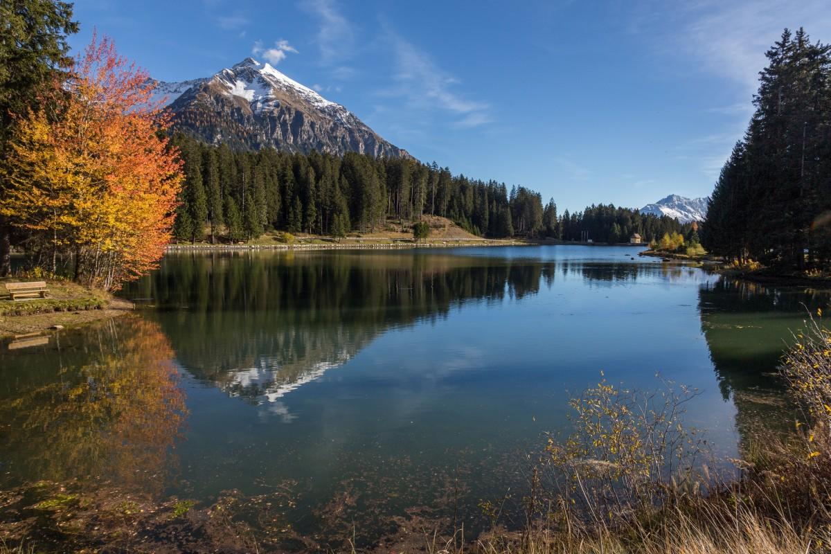 Herbst am Heidsee auf der Lenzerheide mit Lenzerhorn