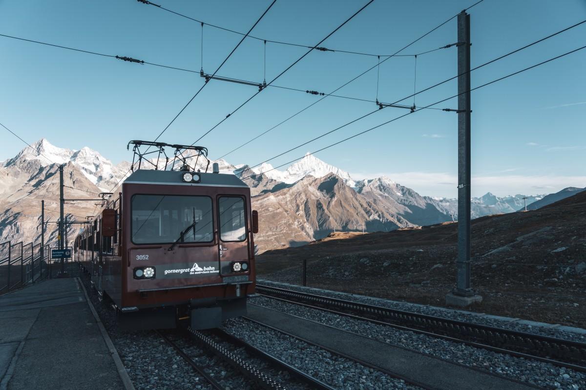 Gornergratbahn am frühen Morgen