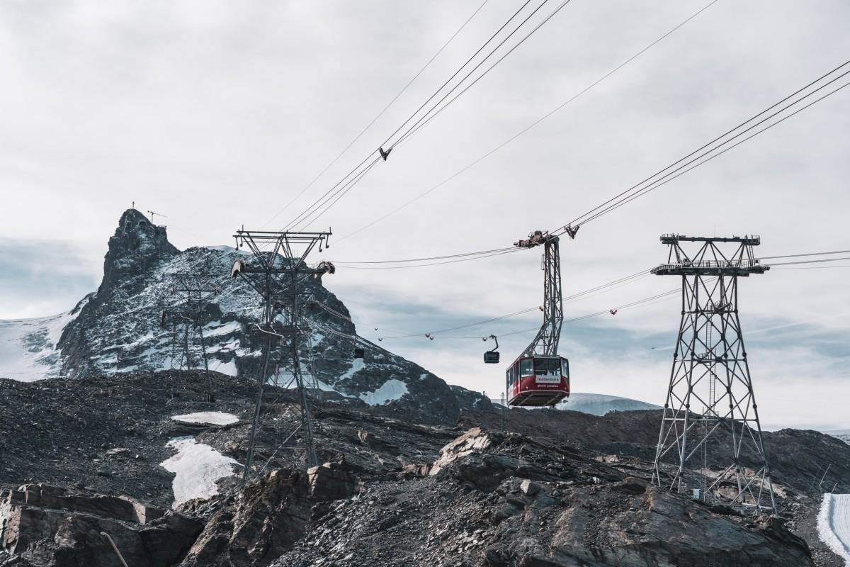 Seilbahnen vom Trockenen Steg zum Klein Matterhorn in Zermatt