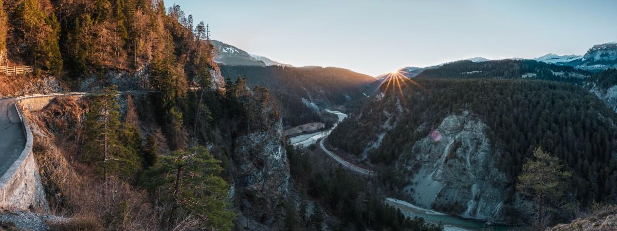 Sonnenuntergang in der Rheinschlucht