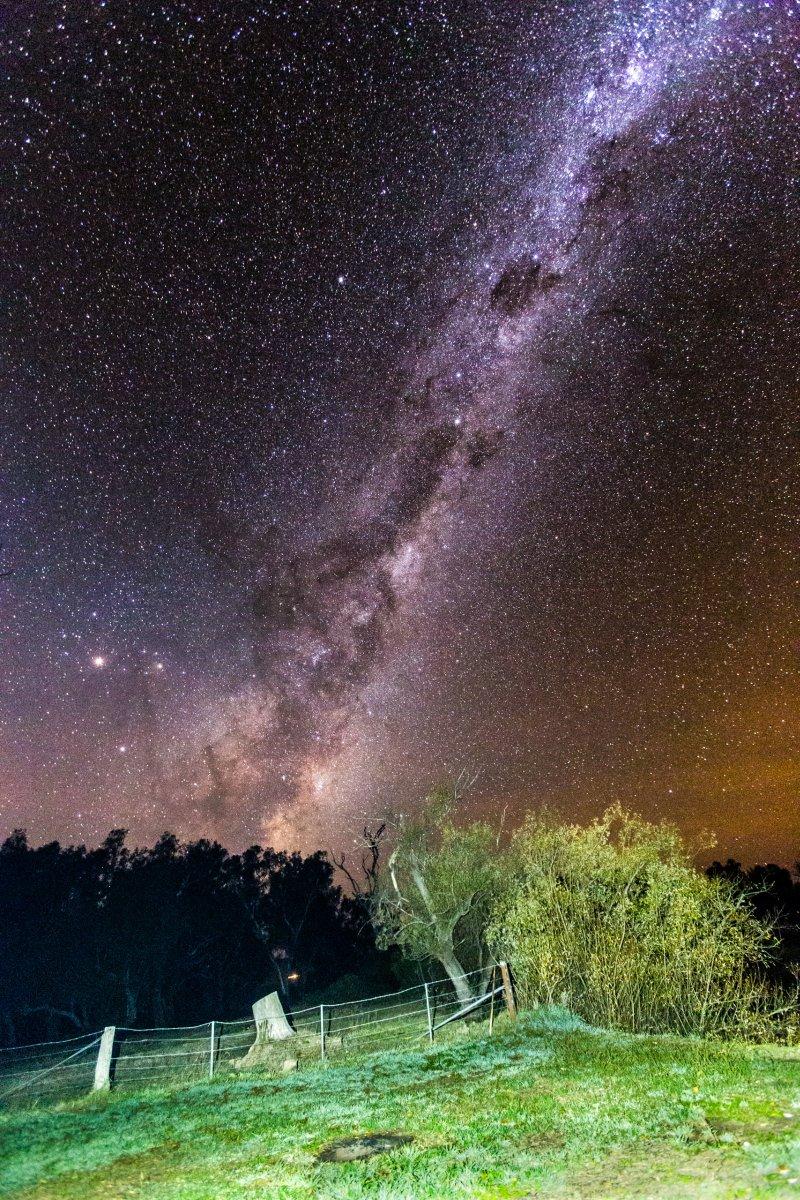 Milchstraße über Towong in Australien