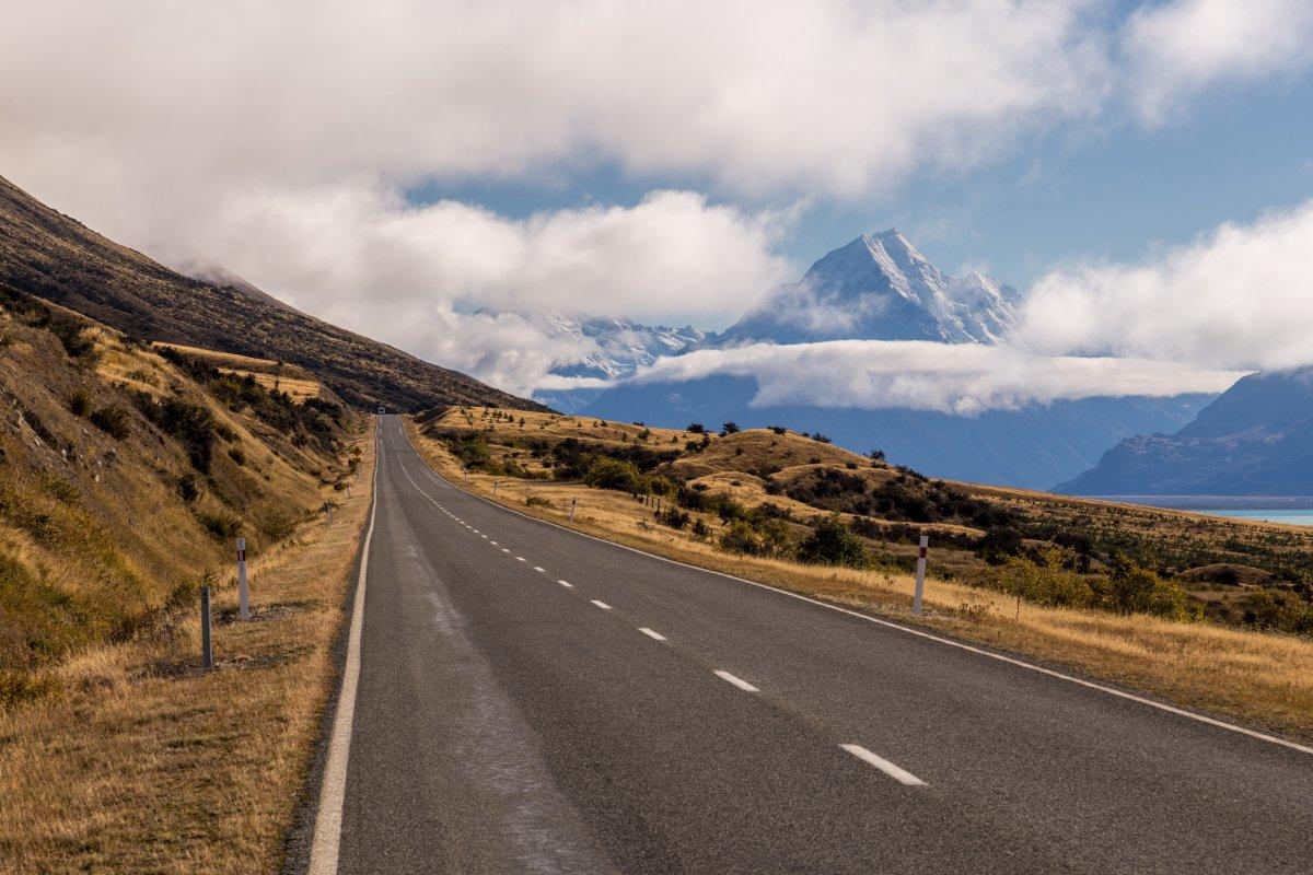 Straße zum Mount Cook in Neuseeland