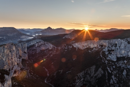 Sonnenaufgang über den Gorges du Verdon, Frankreich