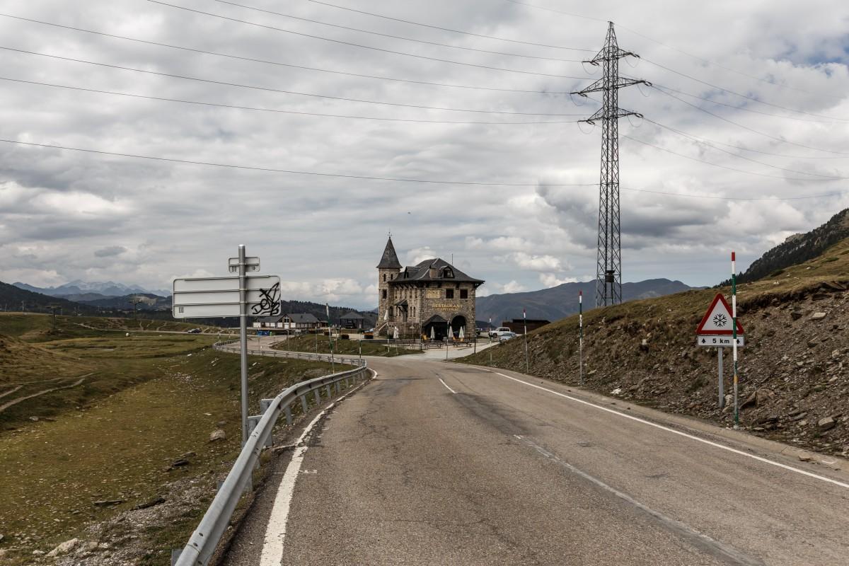 Straße zum Port de la Bonaigua in den Pyrenäen