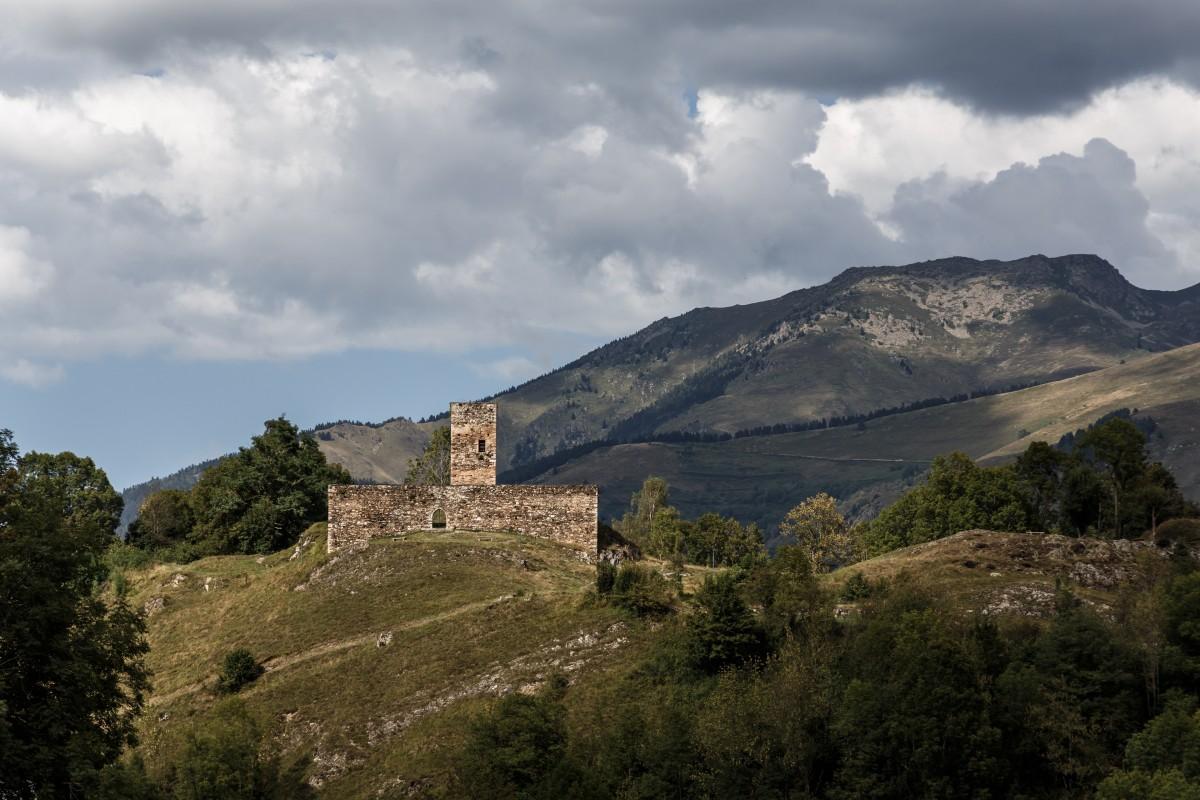 Burg im Vallée du Louron in den Pyrenäen