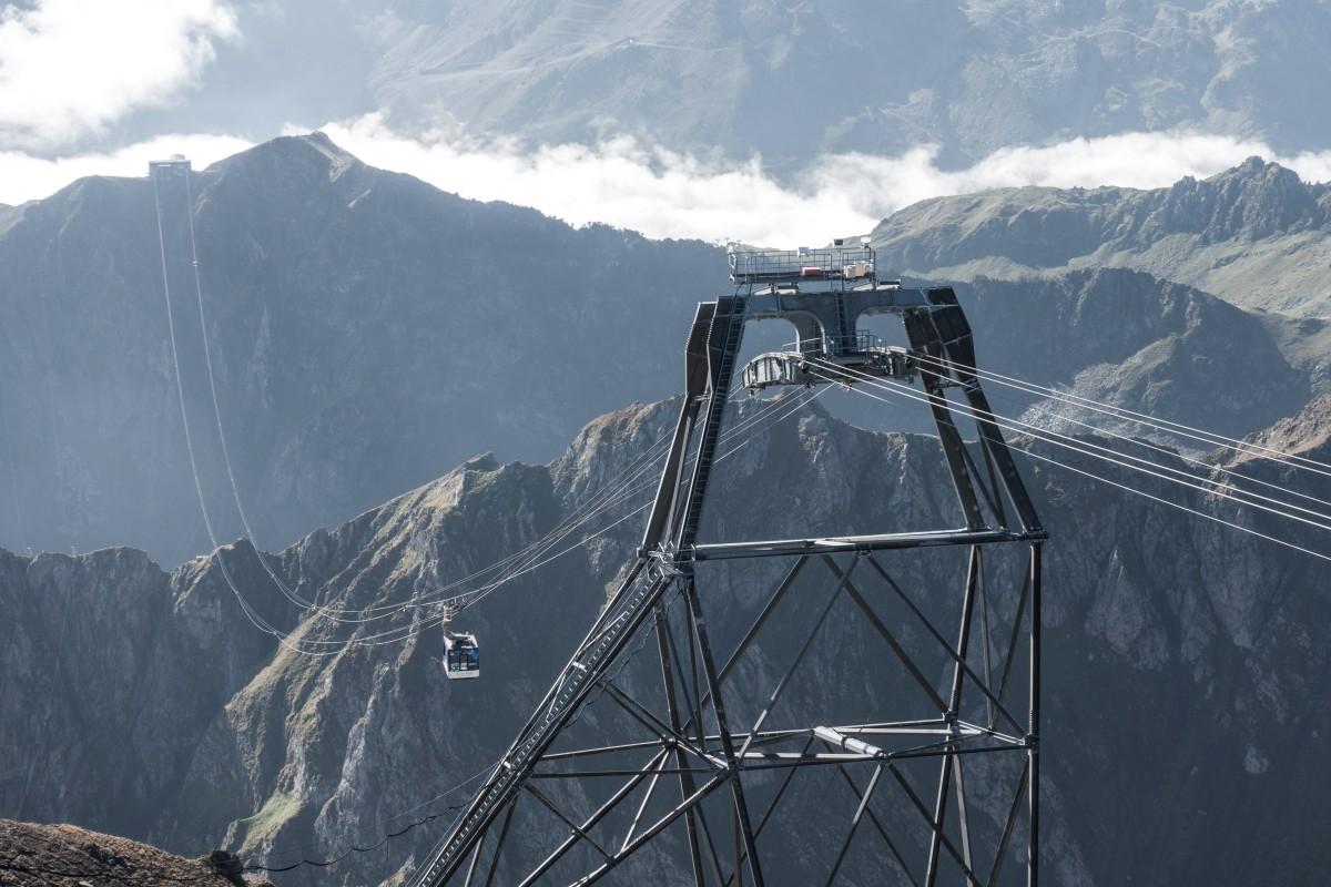 Seilbahn zum Pic du Midi im Sommer