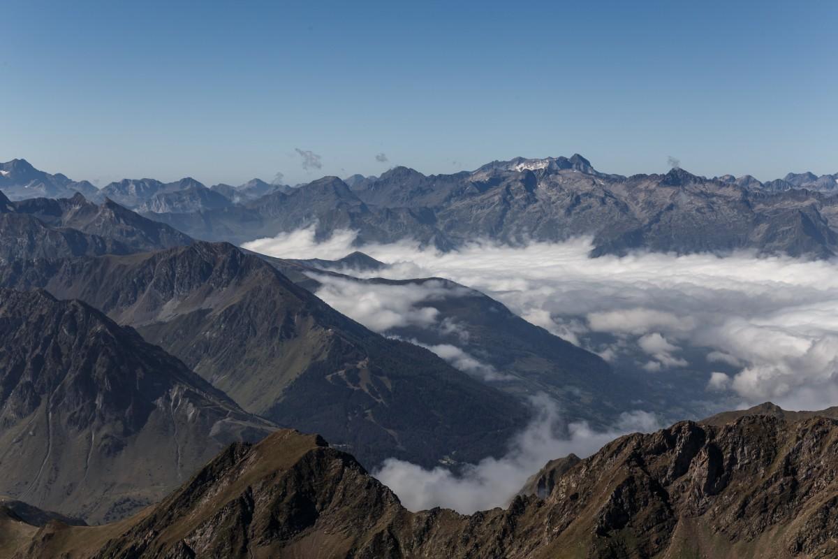 Panorama vom Pic du Midi mit Nebelmeer