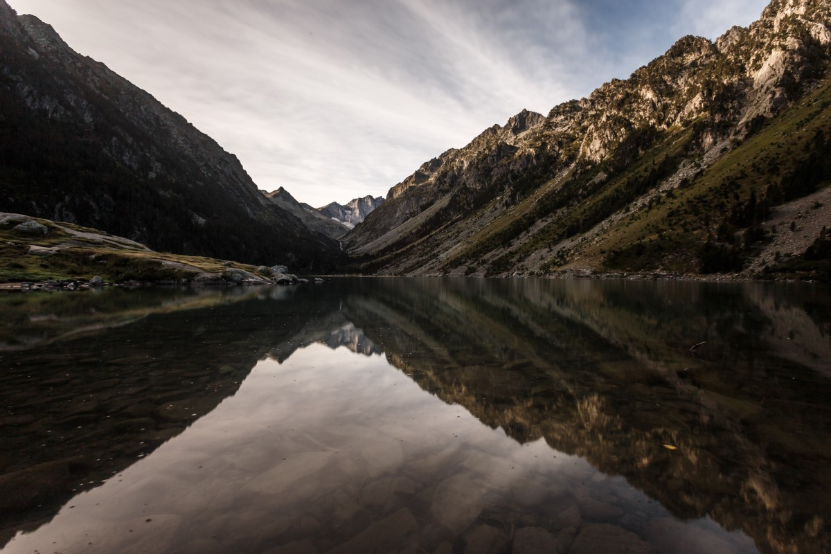 Sonnenaufgang am Lac de Gaube in den Pyrenäen