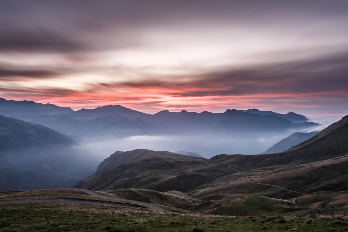 Sonnenuntergang am Col d'Aubisque in den Pyrenäen