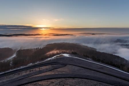 Sonnenaufgang an der Bergehalde Göttelborn