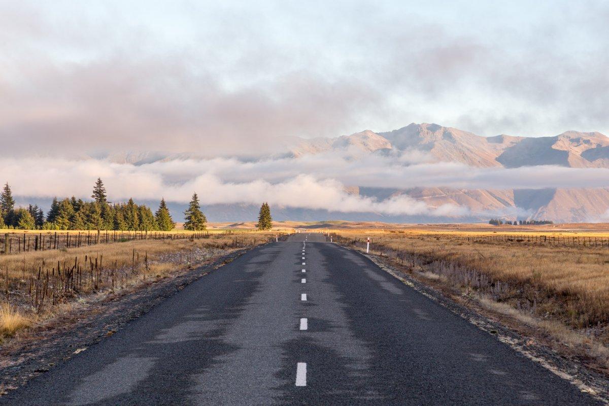 Straße zum Lake Ohau in Neuseeland