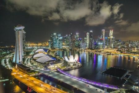 Blick vom Singapore Flyer auf Marina Bay
