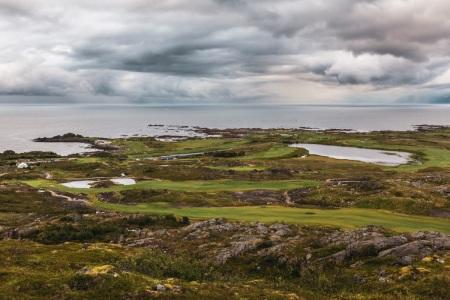 Ausblick vom Hoven auf die Insel Gimsøya (Lofoten)