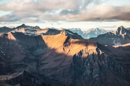 Sonnenuntergang in den Tiroler Alpen