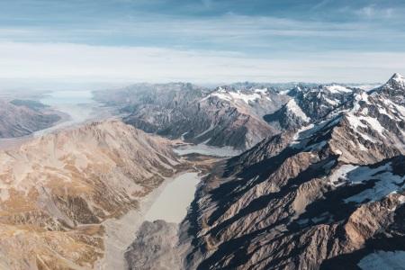 Hooker Valley, Mount Cook Village und Lake Pukaki aus der Luft