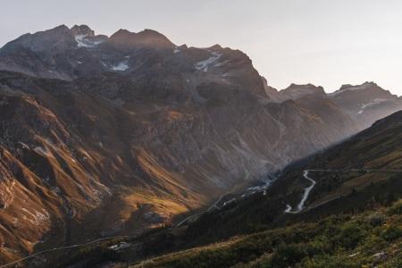 Passstraße zum Col de l'Iséran in den französischen Alpen