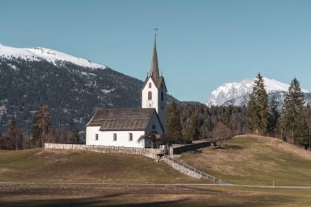 Kirche von Versam in der Surselva