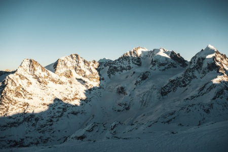 Sonnenuntergang an der Berninagruppe im Engadin