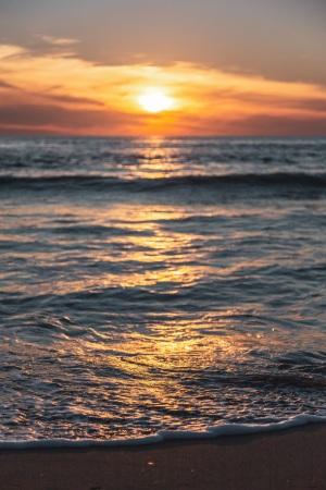 Sonnenuntergang an der italienischen Mittelmeerküste