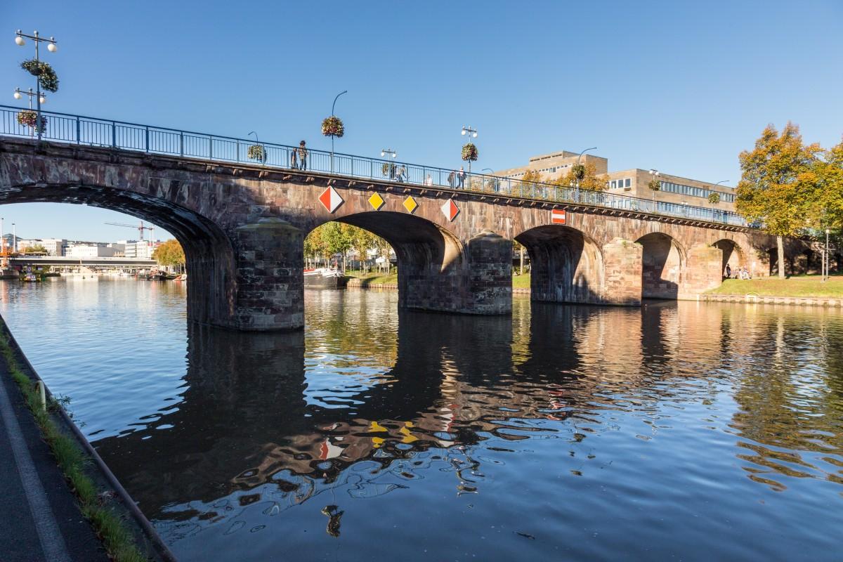 Alte Brücke in Saarbrücken