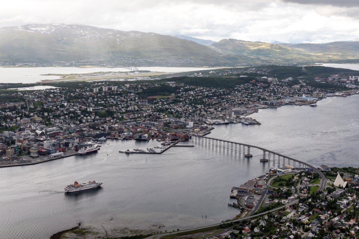 Ausblick vom Fjellheisen auf Tromsø