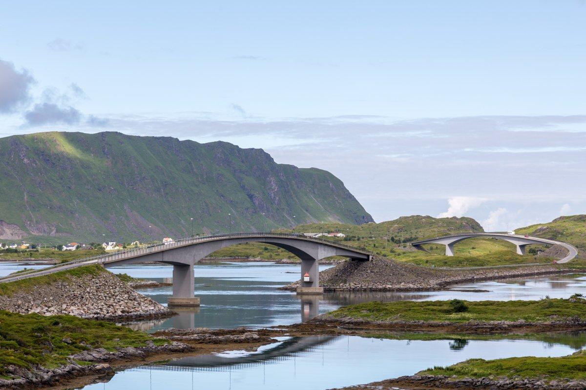 Brücke nach Fredvang auf den Lofoten