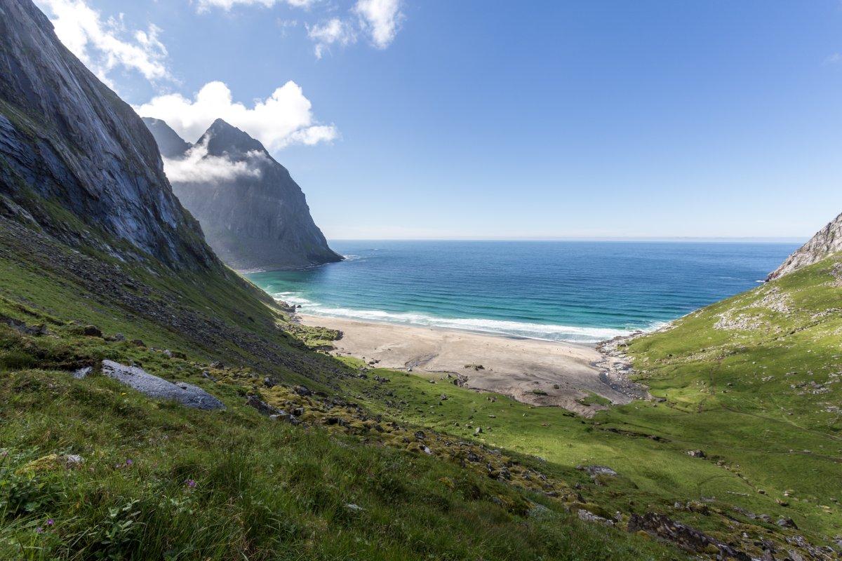 Wanderung zum Kvalvika Beach auf den Lofoten