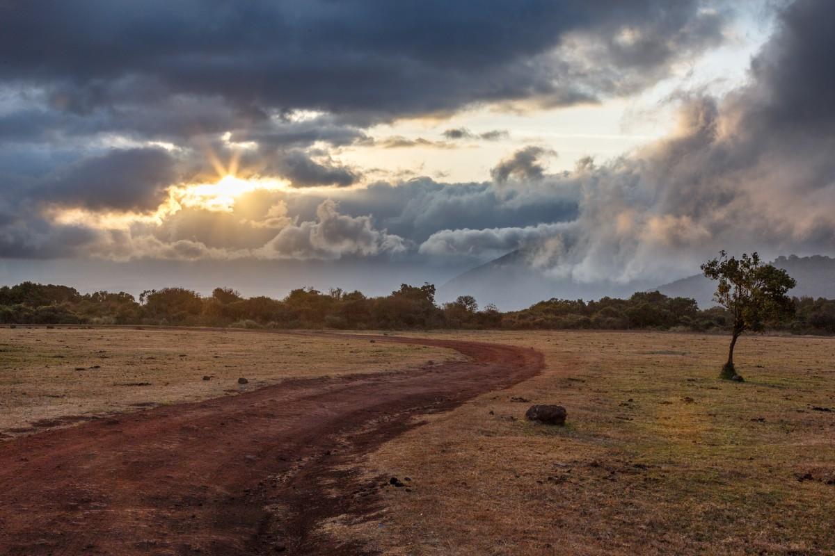 Sonnenaufgang über dem Ngorongoro-Krater