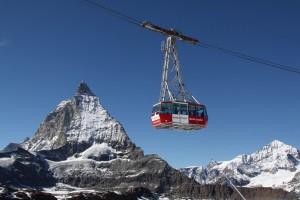 Seilbahn vor Matterhorn in Zermatt
