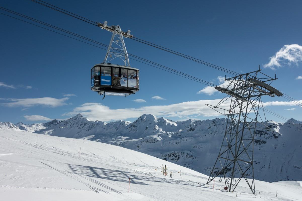 Luftseilbahn Davos Dörfji - Pischa