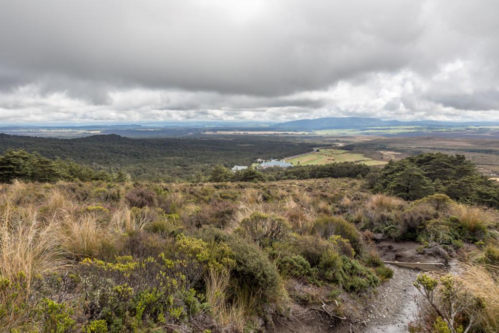 Wandern im Tongariro National Park mit Blick auf Whakapapa