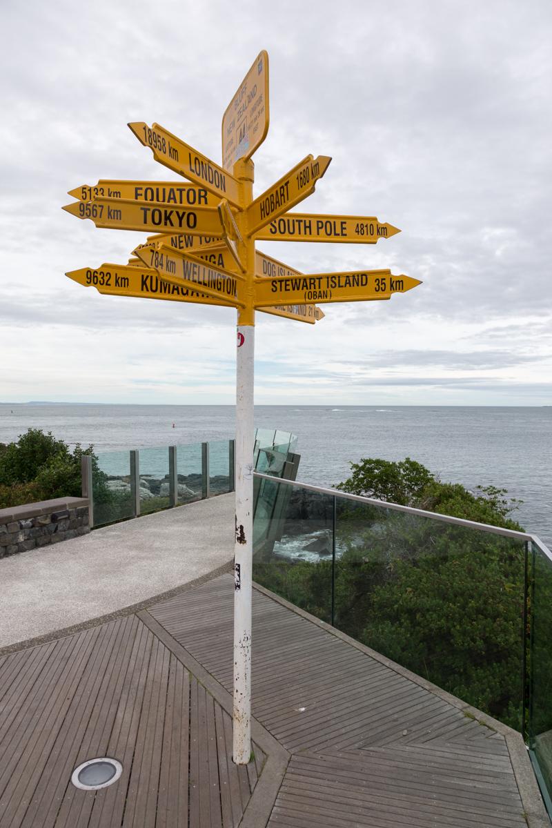Wegweiser am Stirling Point in Bluff