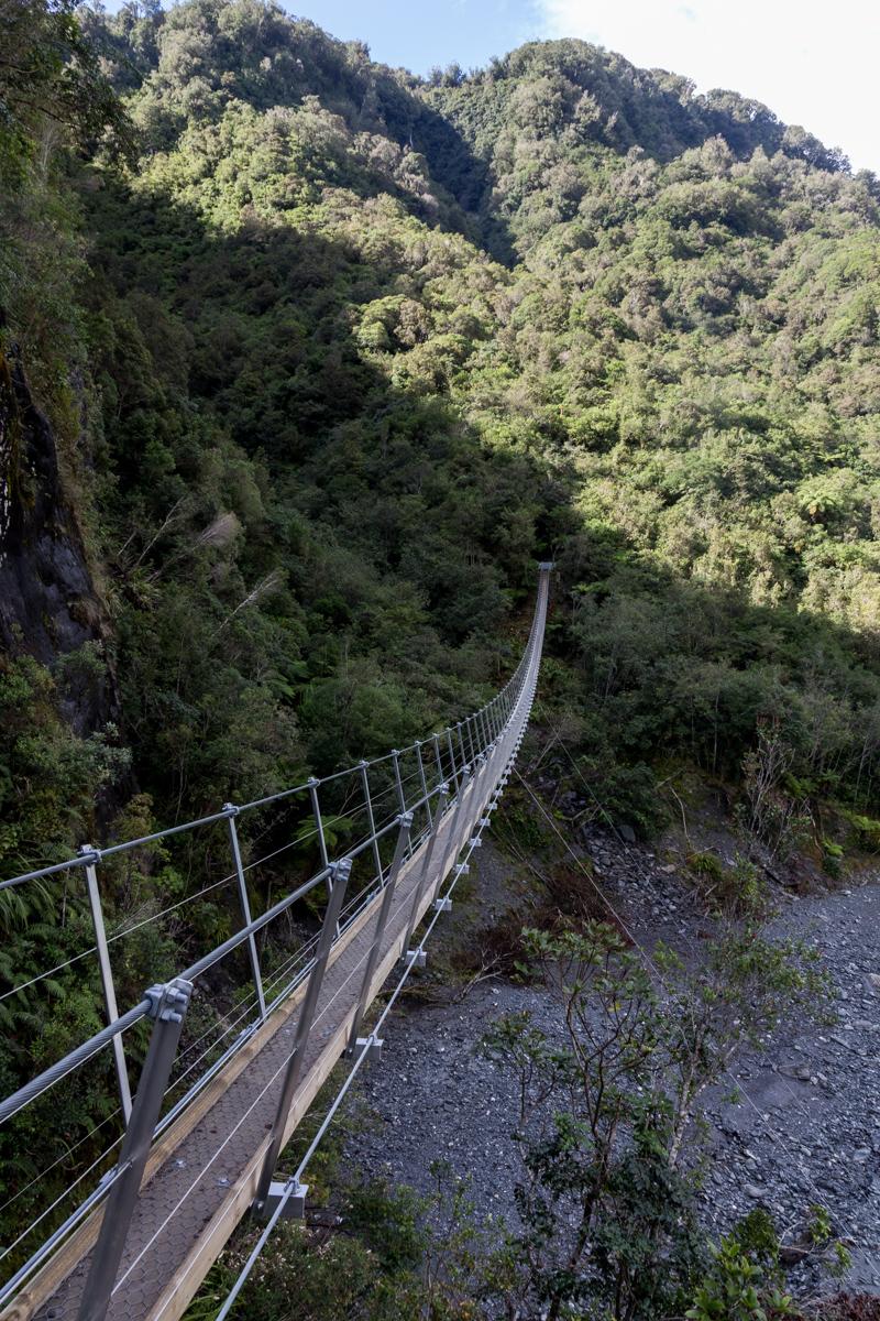 Spektakuläre Hängebrücke zum Roberts Point