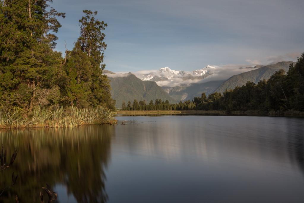 Mount Tasman und Mount Cook spiegeln sich im Lake Matheson