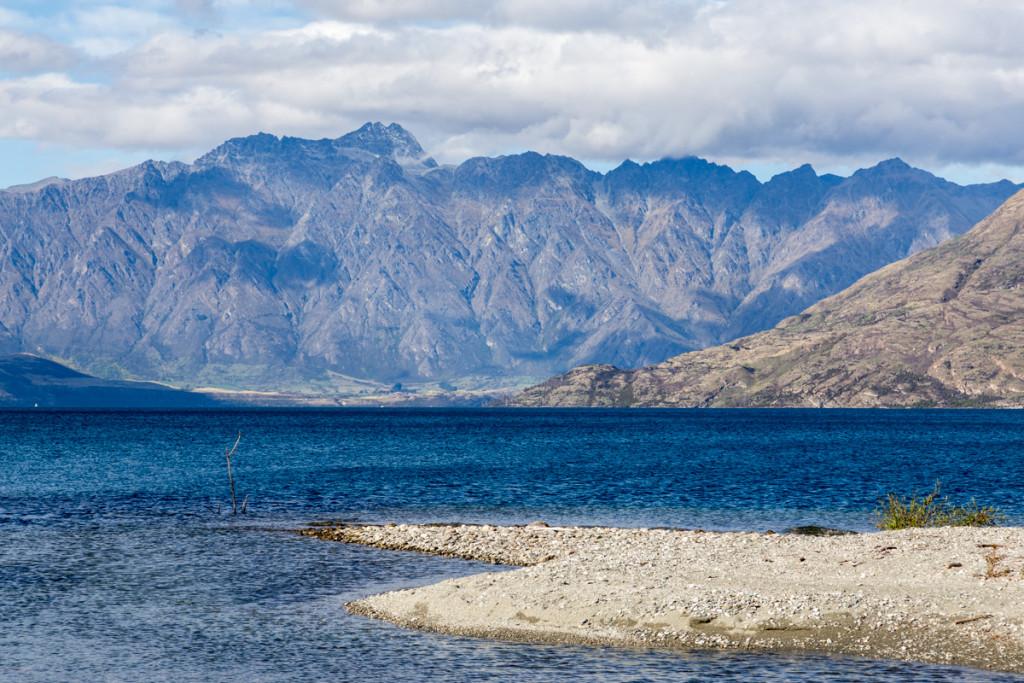 Lake Wakatipu mit den Remarkables im Hintergrund