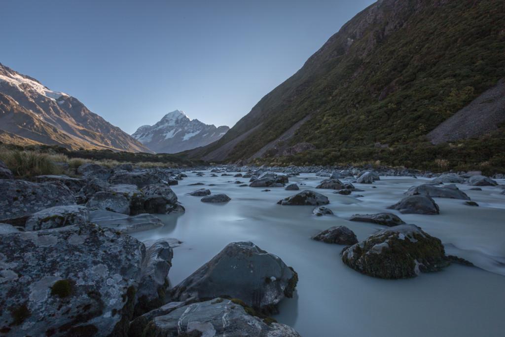 Milchiges Gletscherwasser im Hooker Valley