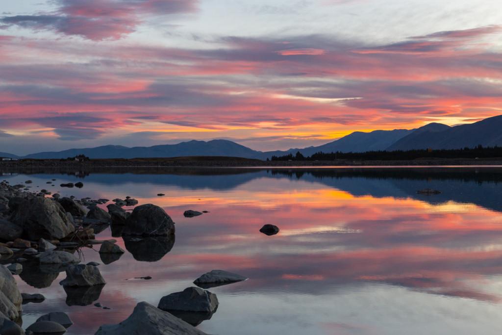 Farbenfroher Sonnenuntergang am Lake Pukaki