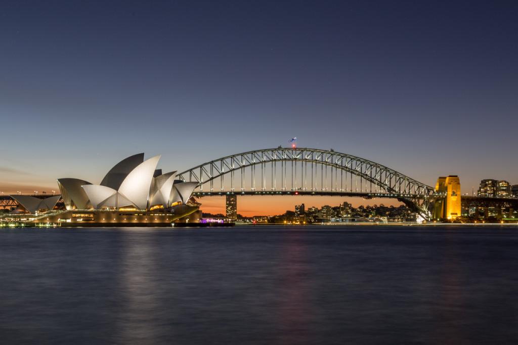 Blaue Stunde vor dem Sydney Opera House