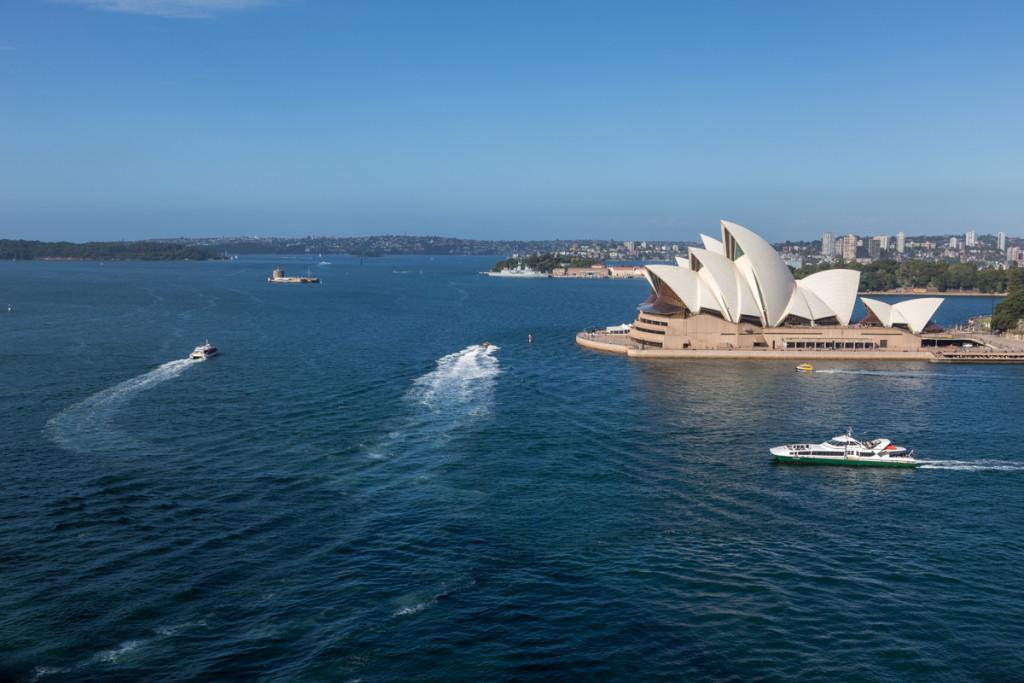 Ausblick von der Sydney Harbour Bridge auf das Opernhaus