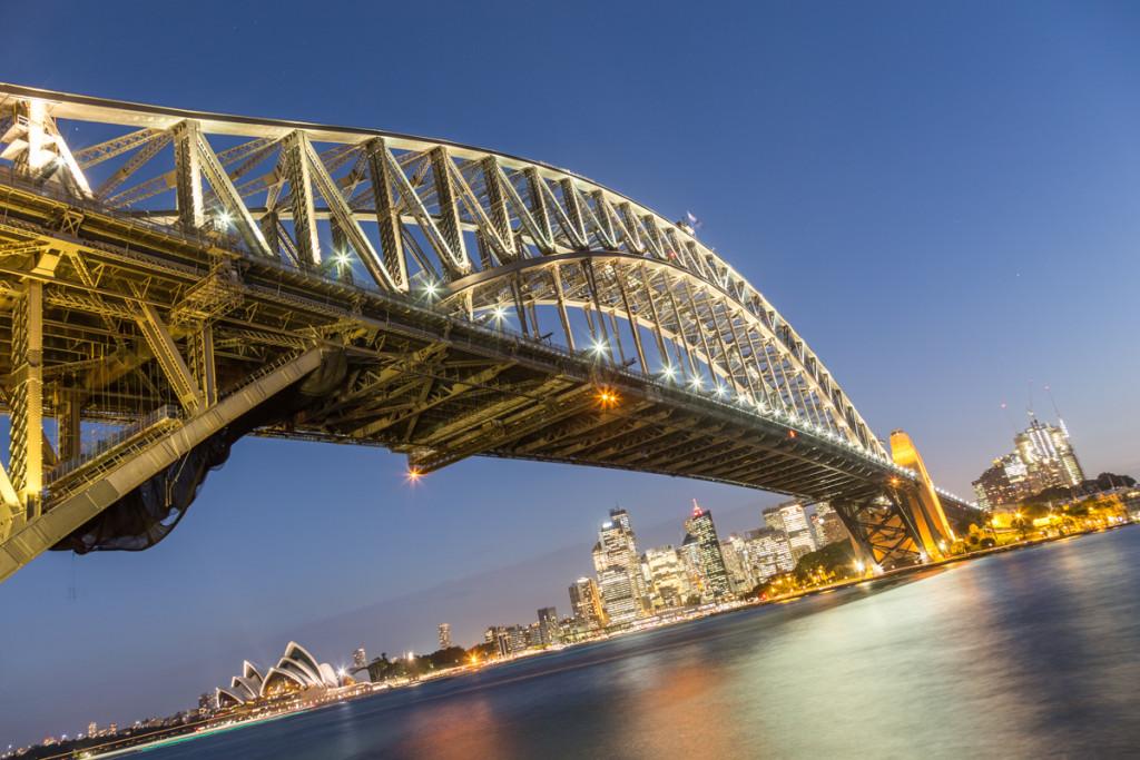 Blaue Stunde an der Sydney Harbour Bridge
