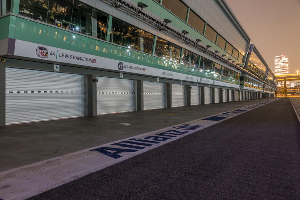 Boxengasse des Singapore Street Circuit