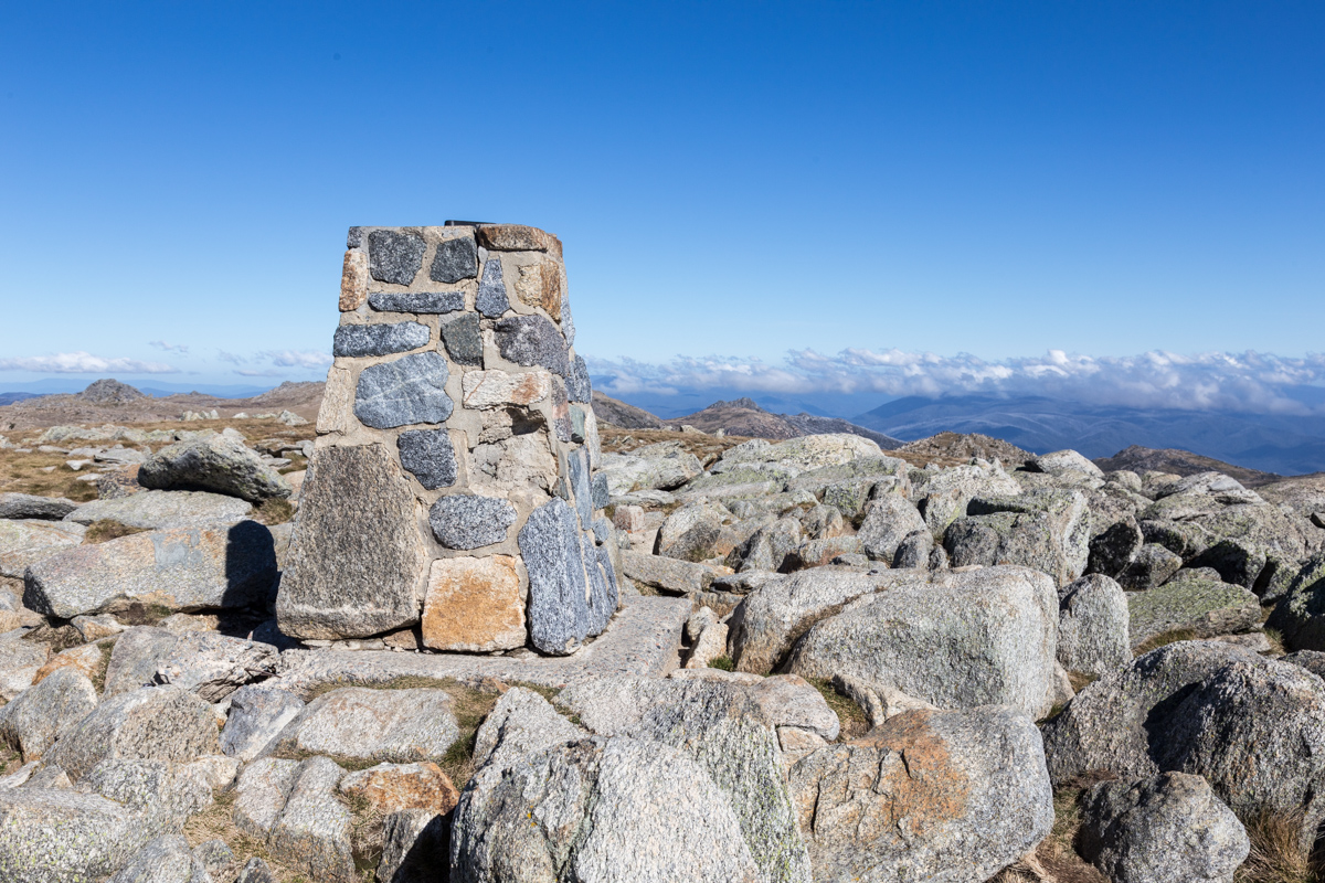 Auf dem Gipfel des Mount Kosciuszko