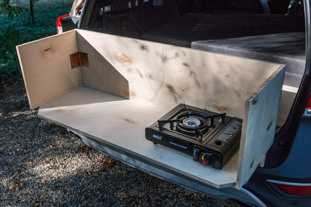 Camping-Küche im Kofferraum