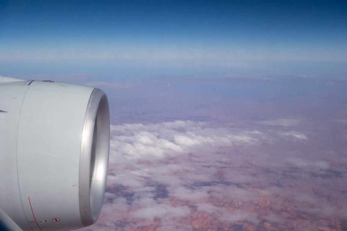 Flugzeug über dem australischen Outback