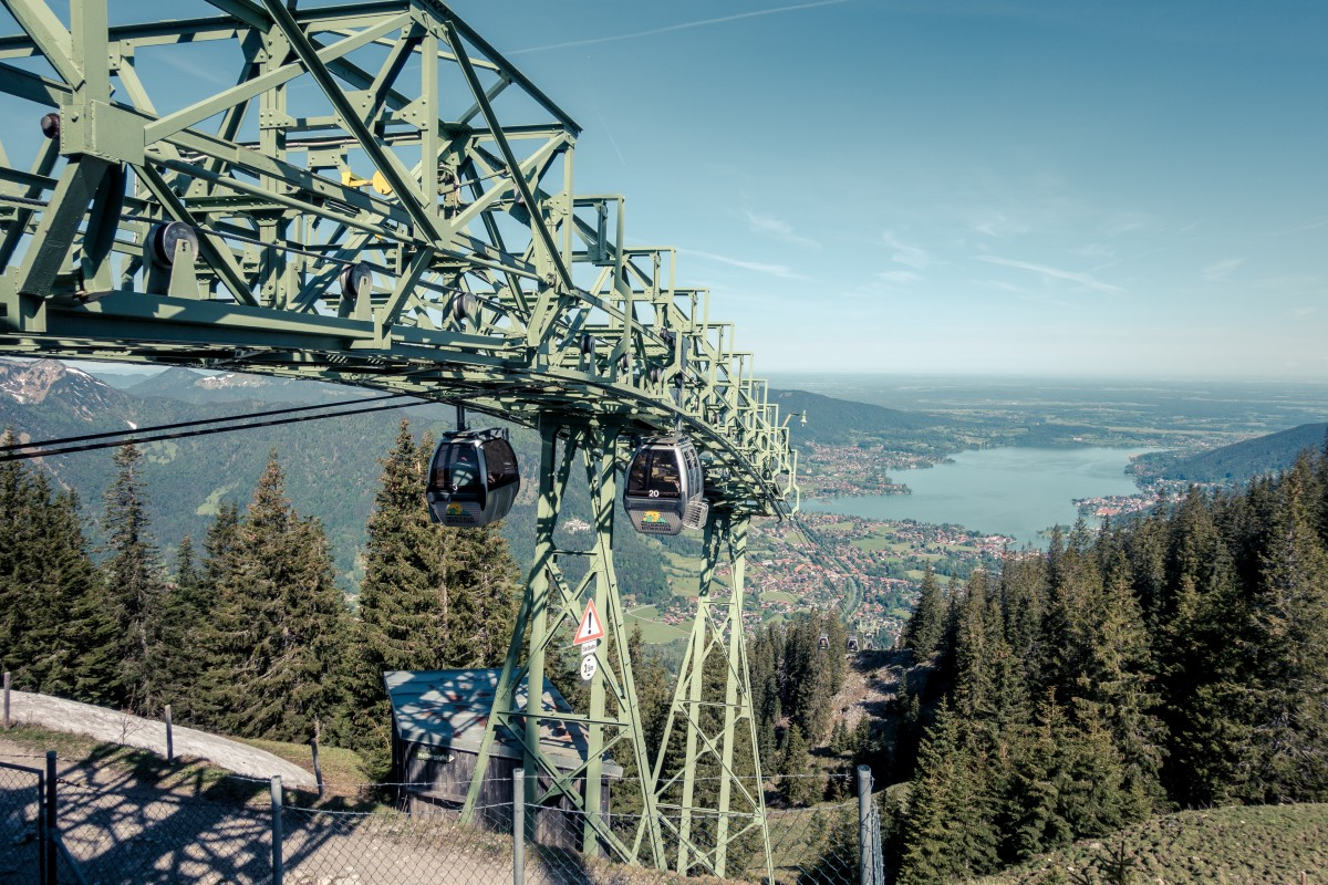 Mit der Wallbergbahn hoch über dem Tegernsee
