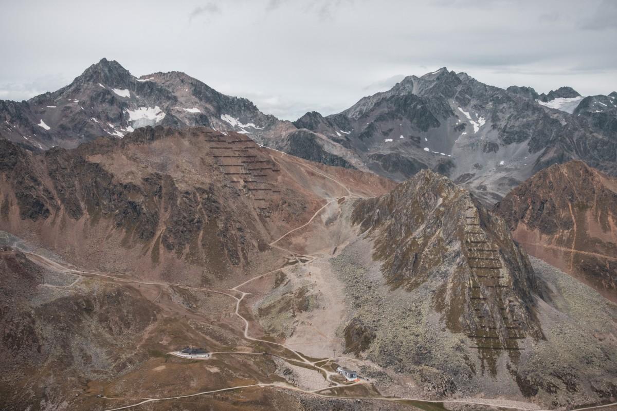 Geländekorrekturen im Geröll oberhalb von Sölden in den Ötztaler Alpen